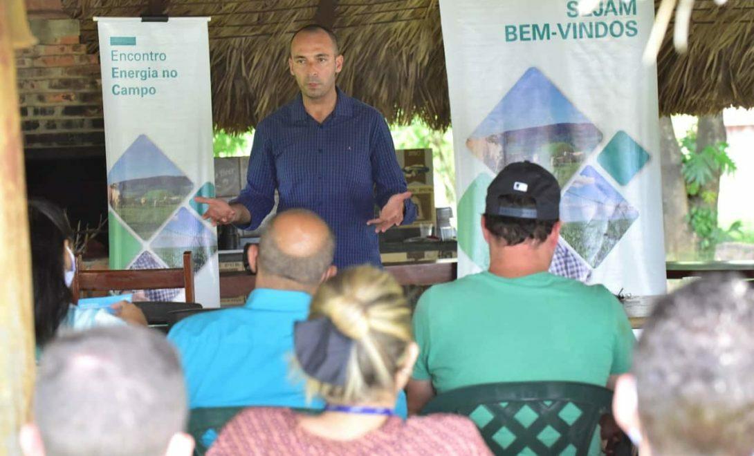 Roberto Vieira palestrando