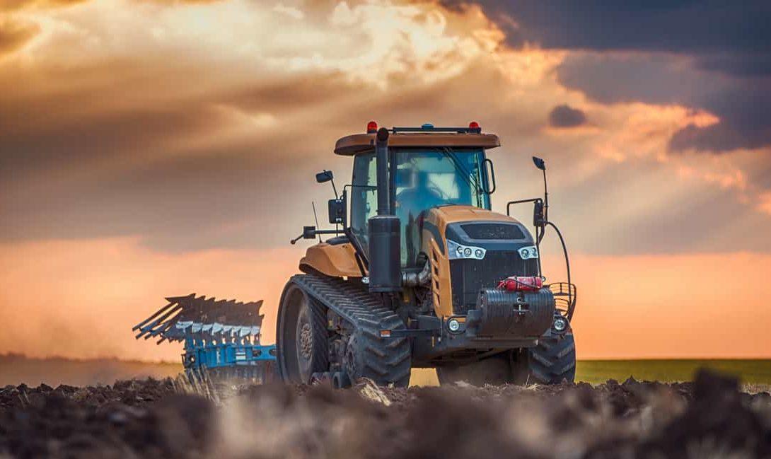 Máquinas agrícolas: comprar ou alugar?