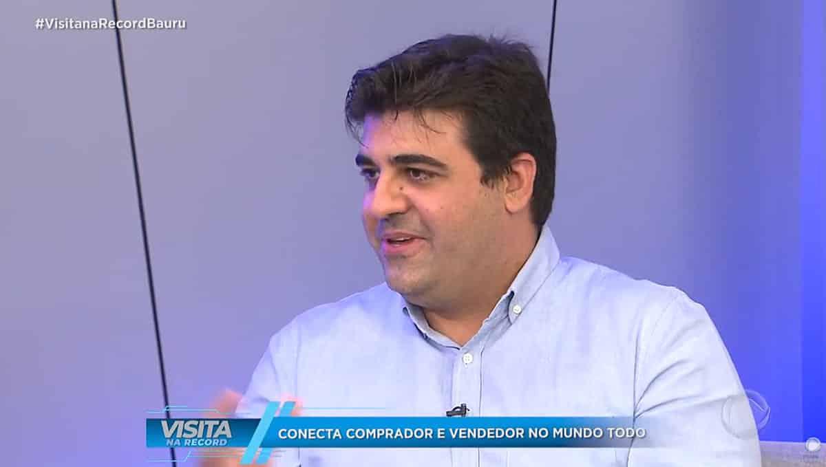 Roberto Lucas em entrevista à TV Record