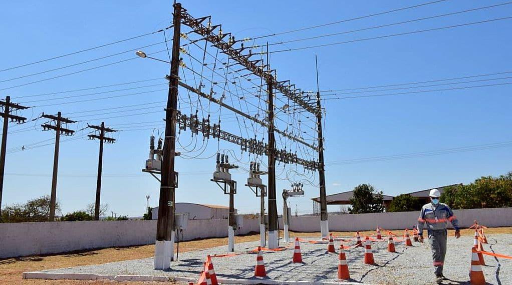 Investimentos em subestações para distribuição de energia elétrica