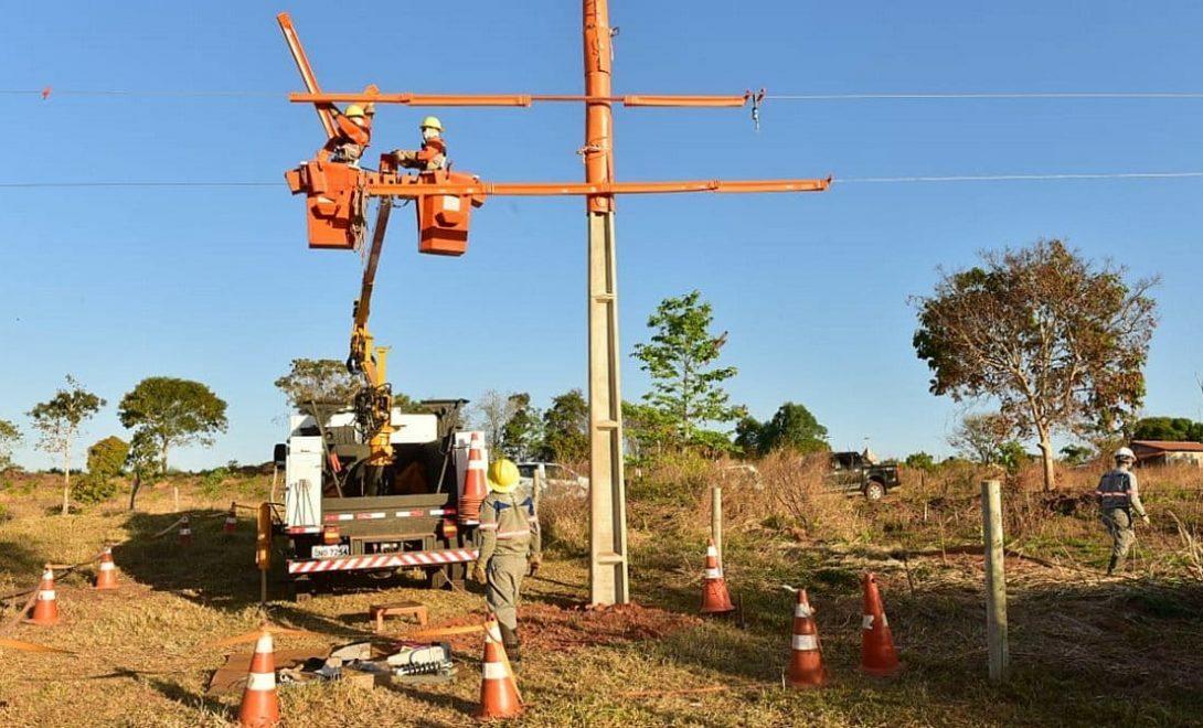 ENEL apresenta redução histórica na quantidade de quedas de energia em Goiás